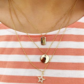 She's A Star Necklace: Gold
