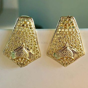 Filigree Rectangular 18kts Of Gold Plated Studs Earrings