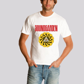 SOUNDGARDEN shirt Logo1  Alternative Metal Roc  tee Band Art Music  shirt   S-2XL