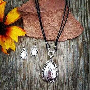 Hammered Silver Filigree Pendant Necklace