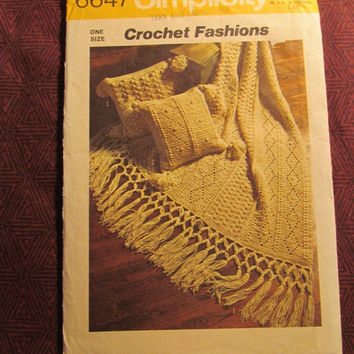 Sale 1970's Simplicity Crochet Pattern, 6647! Crochet Fashions instructions for Afghan & Pillows/Step by Step/Home Decor/Blankets/Bedding