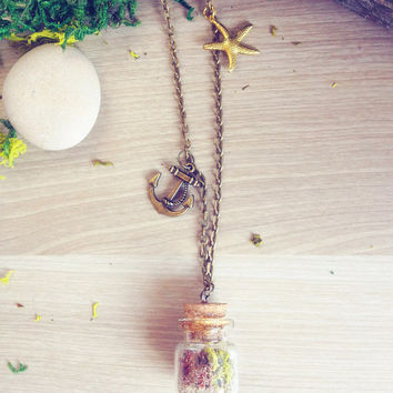 Sea terrarium necklace, beach mini terrarium, nautical necklace, nature specimen vial necklace, seashell pendant, nautical wedding, anchor