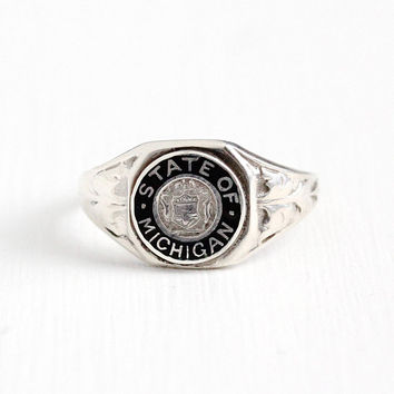 Vintage Sterling Silver State Of Michigan Signet Ring - 1940s Size 7 1/4 MI Great Seal Coat of Arms Black Enamel Leaf Vine Souvenir Jewelry