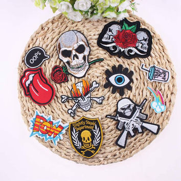1Pcs Mixture Sell Punk Rock Embroidery Cool Patch Skull And Rose Iron On Motorcycle Biker Patches For Clothes Stickers DIY