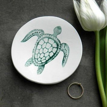 Turtle Porcelain Ring Dish, Green White Ceramic Plate, Nature Inspired Jewelry Dish, Animal Trinket Dish, Turtle Pottery Home Decor