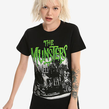 Rock Rebel The Munsters Family Coach Girls T-Shirt