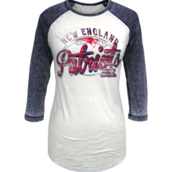 5th & Ocean Women's New England Patriots White Raglan Shirt - Dick's Sporting Goods
