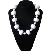 Vintage 1960's Chunky White Beaded Choker Necklace