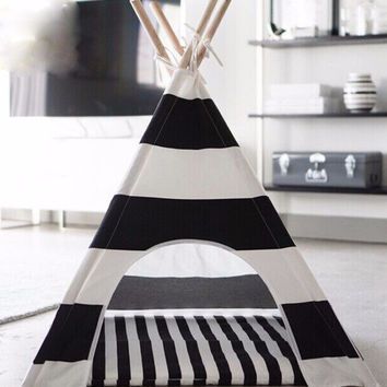 TeePee Pet Playhouse