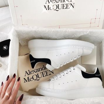 Alexander McQueen Fashionable  New Velvet Tail Sports Sneakers Running Shoes Black