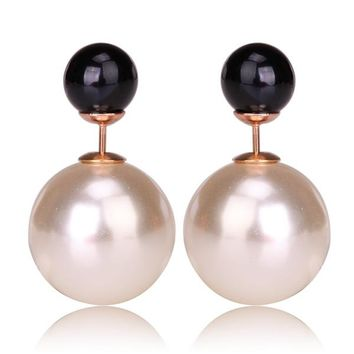 Gum Tee Mise en Style Tribal Earrings - Pearl White and Black