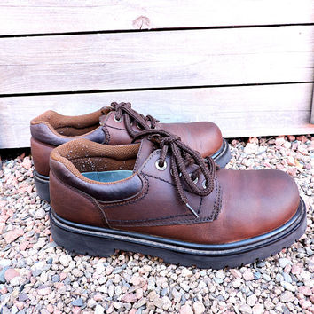 BASS oxford shoes / size US 9.5 M mens / EU 42 / vintage 80s Bass brown leather oxfords urban shoes / waterproof