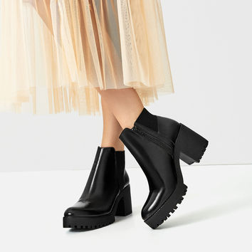 TRACK SOLE HEELED ANKLE BOOTS DETAILS