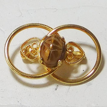 Hand Carved Tigers Eye Scarab Carving Gemstone Brooch Gold Tone Small Hearts Egyptian Style Jewelry Vintage Victorian Era Hat Pin Scarf