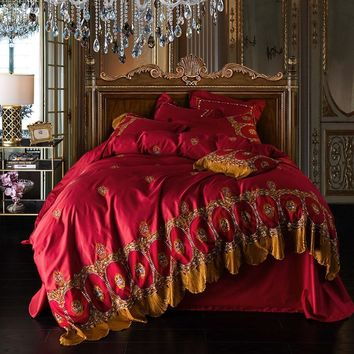 Soft Egyptian Cotton Red Bed sheet set Queen King size Embroidery Duvet cover Pillowcases Golden lace Luxury Royal Bedding sets