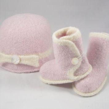 ICIK8X2 Pink Baby Ugg Boots & Hat with Bow Set - Mother of Pearl