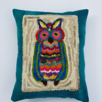 "10"" x 13"" owl hand hooked pillow with hand dyed wool backing"
