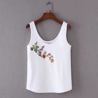 2017 Summer style Fashion Women Flower embroidery Knitted cotton vest T-shirt Casual sexy Sleeveless Tops camiseta feminina T721
