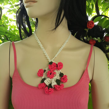 Cotton Fiber, Acrylic Thread-Beaded Necklace carnations, pink necklace, jewelry, accessories,delica beads