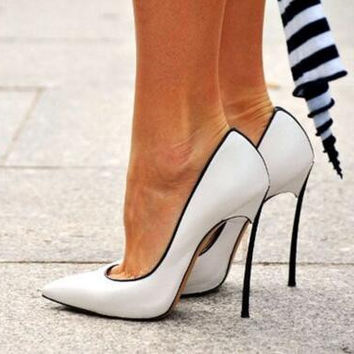 Metallic Blade Court Shoes Pointed Toe