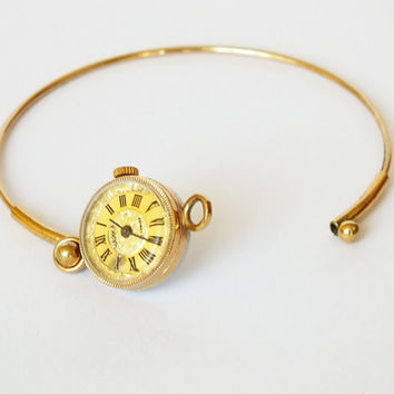 Womens Watch Bracelet Chaika (Seagull). Vintage Ladies Mechanical Watch. Tiny Gold Plated Womens Watch. Gift For Her.