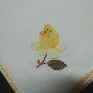 Set of 2 Vintage Dinner Napkins with Hand Appliqued Yellow Flowers & Hand Embroidery, 15.5 x 15 Inches, Embroidered Edges, 1980s, Upcycle