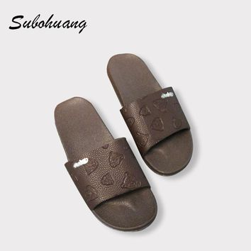 Brand Quality Fashion Summer Slippers Men Leather Beach Fretwork Casual Flat Shoes Soft Non-slip Slippers Sandals Hot Selling