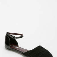 Report Amity D'Orsay Flat - Urban Outfitters