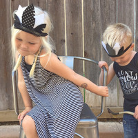Baby Feather Crown, Feather Tiara, Feather Crown, Boy Feather Crown, Black and White, Boys Feather