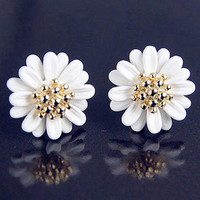 Simple Fashion Daisy Flowers Shape Stud Earrings Jewelry Accessories = 1695436932