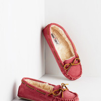 Minnetonka Boho Classically Cozy Slipper in Magenta