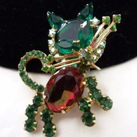 D&E Juliana Cat Kitten Brooch Green Watermelon Glass Rhinestone Gold Plate Pin