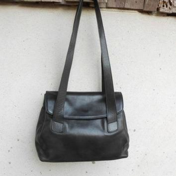 ONETOW Vintage COACH No. 0118 - 210 Black Leather Shoulder Bag / Small - Medium / Authentic