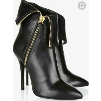 Leather Pointed Toe Zipper Calf Black Boots