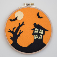 Halloween Decoration - Felt Halloween Decoration-Haunted House Decoration -Felt Embroidery Hoop Wall Decor-Halloween Decor-cute office decor