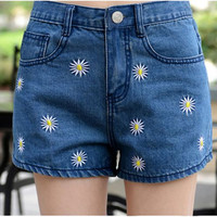 New Summer High Waist Denim Shorts Women Daisy Embroidered Casual Short Jeans Shorts