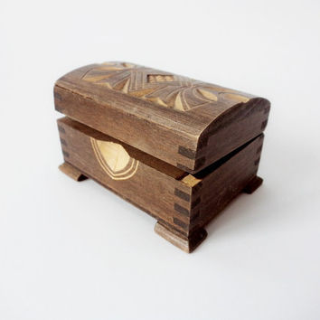 Vintage Jewelry Chest, Wood Carving Trinket Jewelry Box, Hand Carved wooden Box, Old wooden Jewelry Chest, Bulgaria from '70