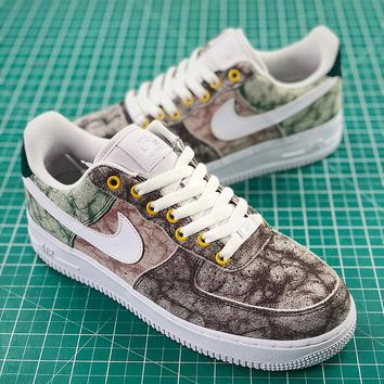 Nike WMNS Air Force 1 07 LXX Summit White   Summit White-Oil Gre cd5aae104