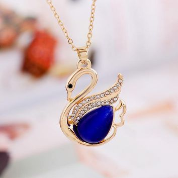 Swimming Pool beach 2018 lovely pink Swimming Small Swan Necklace Woman Fashion crystal Pendant Necklace Jewelry long chain Fashion AccessoriesSwimming Pool beach KO_14_1