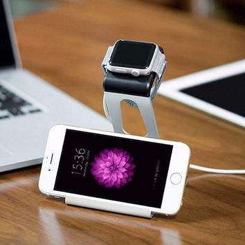 Apple Watch and iPhone Docking Station