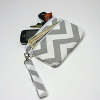 iPhone /Galaxy, Wristlet Wallet with Credit Card Pockets and Lip Balm Pocket -Gray Chevron
