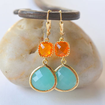 Turquoise Teardrop and Amber Orange Jewel Dangle Earrings in Gold. Bridesmaid Earrings. Spring Fashion Drop Earrings.