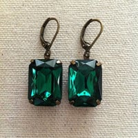Emerald Green Glass Jewel Earrings, Bridesmaids Jewelry, Bridal Jewelry, Pantone