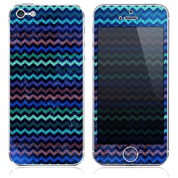 The Small Inverted Blue Chevron Pattern Texture Skin for the iPhone 3, 4-4s, 5-5s or 5c