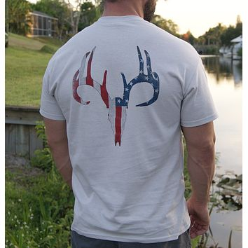 Distressed American Flag Deer Skull Ice Grey Short Sleeve Tee