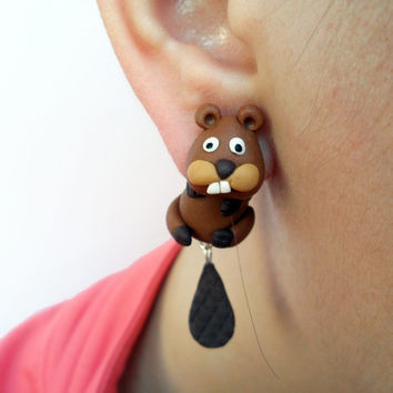 Beaver clinging earrings, beaver Fake Gauge, animal jewelry, Beaver earrings, two part earrings , Beaver jewelry,
