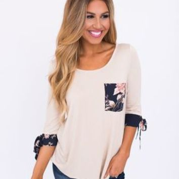 Oatmeal/Navy Floral Trim Top