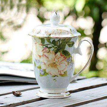 Elegant Bone China Coffee or Tea Cup with Lid