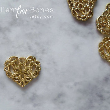 Gold Lace Heart Charm Cast Tatting Pendant Jewelry Supplies ∙ 2pcs