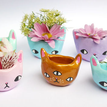 PRE-ORDER *** 1 Tiny Kitty Planter